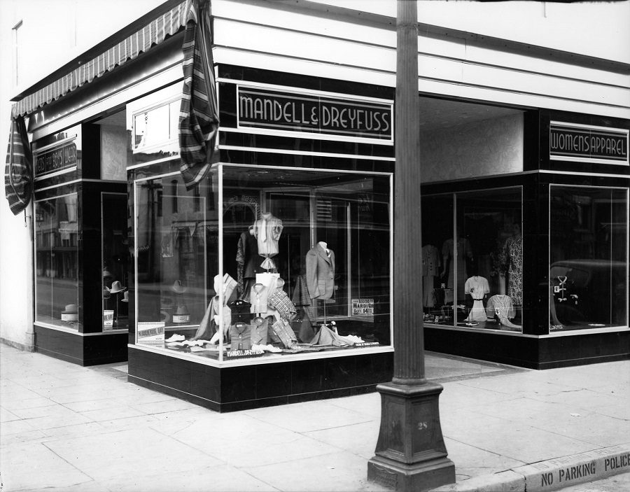 Photo of Mandell Dreyfuss store.